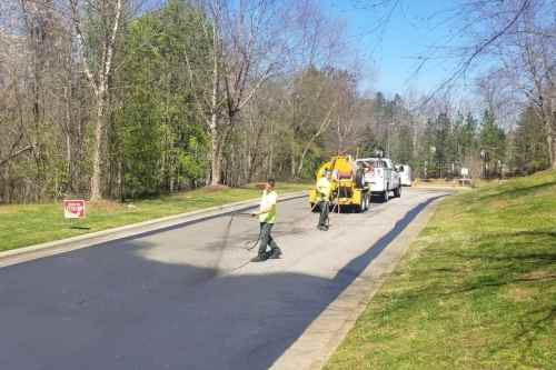 Sealcoating Asphalt Pavement